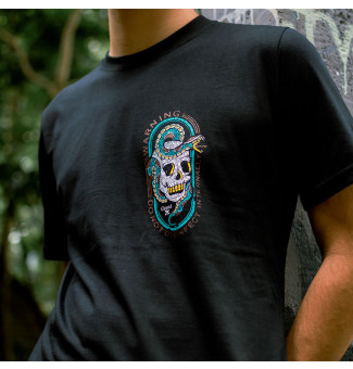 CAMISETA CHEMICAL CHEST SKULL SNAKE (PRETO)
