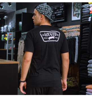 CAMISETA VANS FULL PATCH CREW (PRETO)