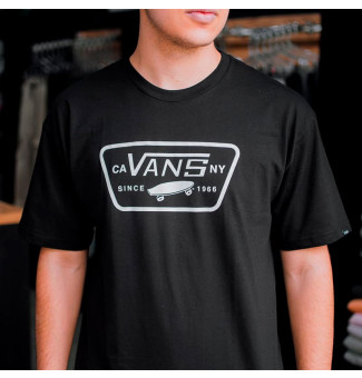 Camiseta Vans Full Patch Preto