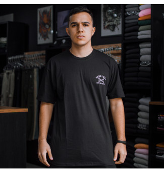 CAMISETA VANS STAGGERED (PRETO)