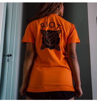 CAMISETA RIOT ORANGE VIBES (LARANJA)