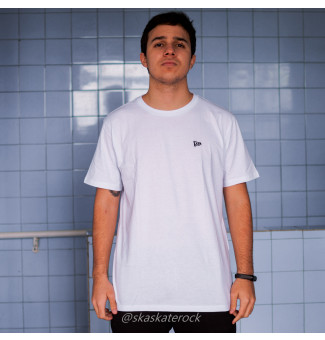 Camiseta New Era Basic Essentials Tri (Branco)