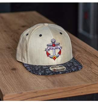 SNAPBACK NEW ERA 9FIFTY ORIGINAL FIT ANCHOR (BEGE/ESTAMPADO)