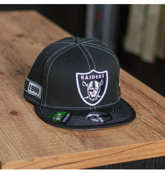 SNAPBACK NEW ERA ON-FIELD SIDELINE OAKLAND RAIDERS (PRETO)